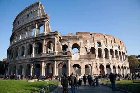 Roman Coliseum, completed in 80 AD. Sites and Photos.