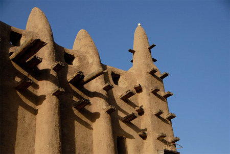James Conlon | The Great Mosque of Djenne, South façade, exterior | image: 2008 | Djenne, Mali | for commercial use or publication, please contact: Media Center for Art History, Columbia University. Email: mediacenter at columbia dot