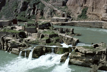 Ordered by Shapur I | Dam and Bridge at Shushtar; c. 260 | Shushtar, Iran | Islamic Art and Architecture Collection (Sheila Blair, Jonathan Bloom, Walter Denny)