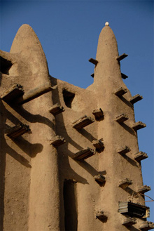 James Conlon | The Great Mosque of Djenne, South façade, exterior | image: 2008 | Djenne, Mali | for commercial use or publication, please contact: Media Center for Art History, Columbia University. Email: mediacenter at columbia dot edu