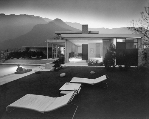 Kaufmann House by architect Richard Neutra Palm Springs, CA, 1947. © J. Paul Getty Trust. Used with permission. Julius Shulman Photography Archive, Research Library at the Getty Research Institute (2004.R.10)