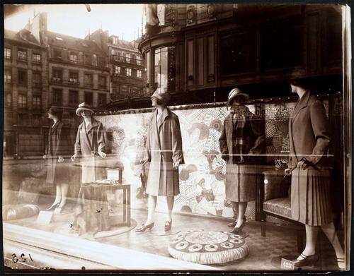 Eugène Atget, Bon Marche, 1926-27. George Eastman House