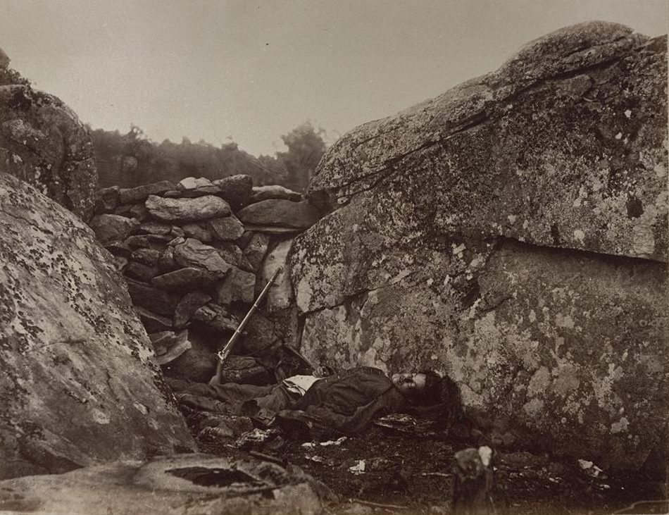 Alexander Gardner, Home of a rebel sharpshooter, Gettysburg, 1863. Collection [of] Eastman House, Rochester, New York, image courtesy of the Carnegie Arts of the United States Collection.