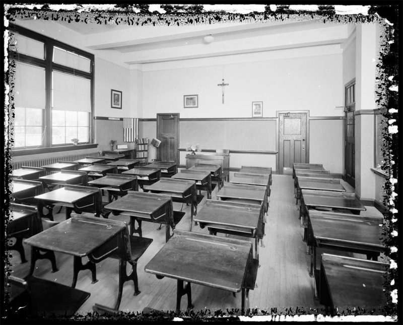 Wurts Bros. (New York, N.Y.). 207th Street and Perry Avenue; Street Brendan's Parochial School, view classroom. ca. 1924. Museum of the City of New York