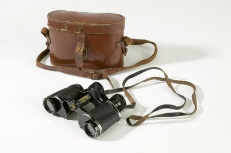 'Kingsway' binoculars with leather carry case made by Maurice Aronsberg of Liverpool, ca. 1910-1920